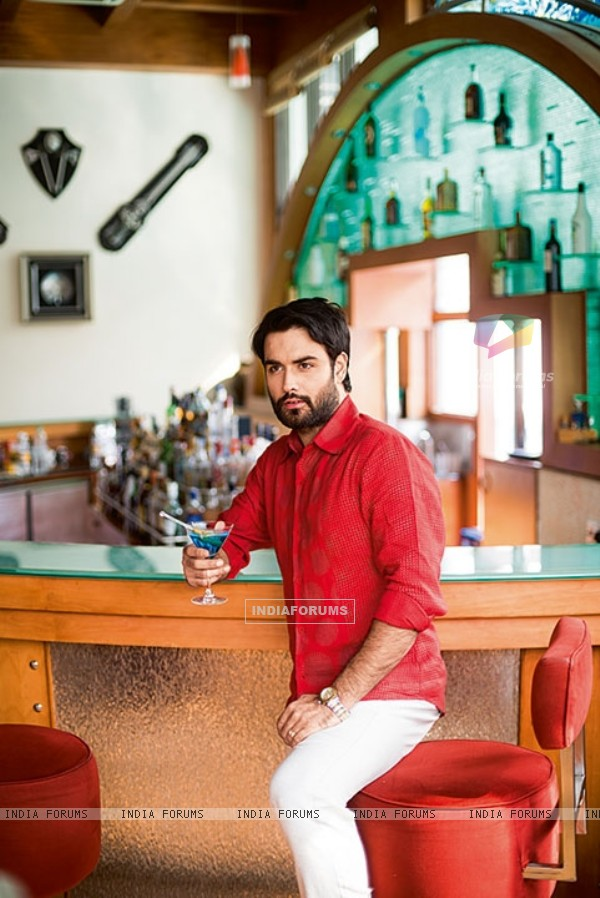 Vivian Dsena's photoshoot for Travel Magazine Cover