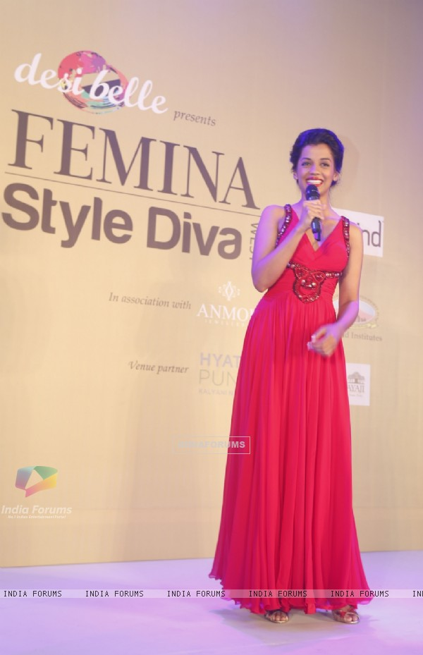 Mugdha Godse addressing the audience at the Femina Style Diva 2014 Curtain Raiser
