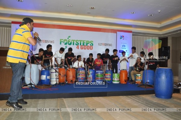 Kids perform at Footsteps 4 Good Ngo Event