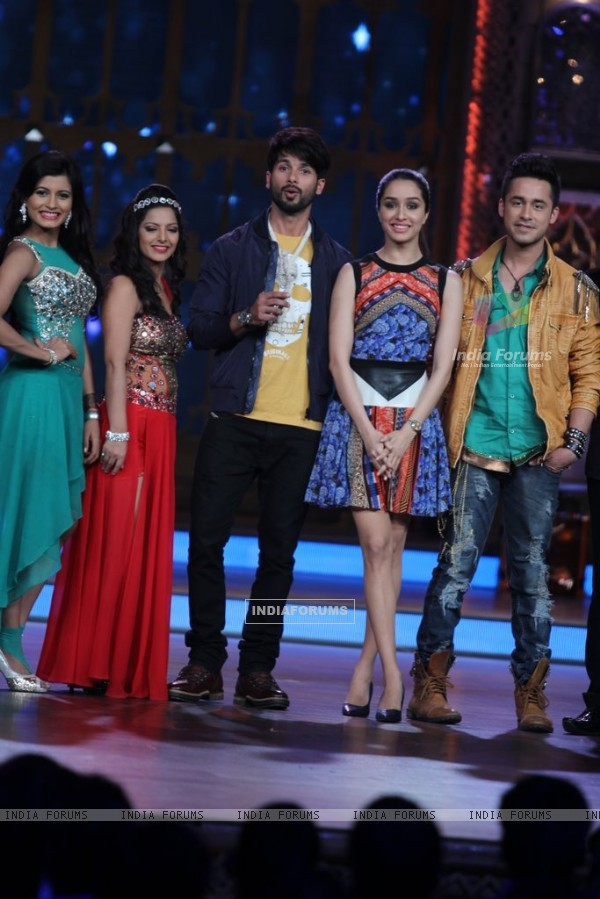 Promotions of Haider on India's Best Cine Stars Ki Khoj
