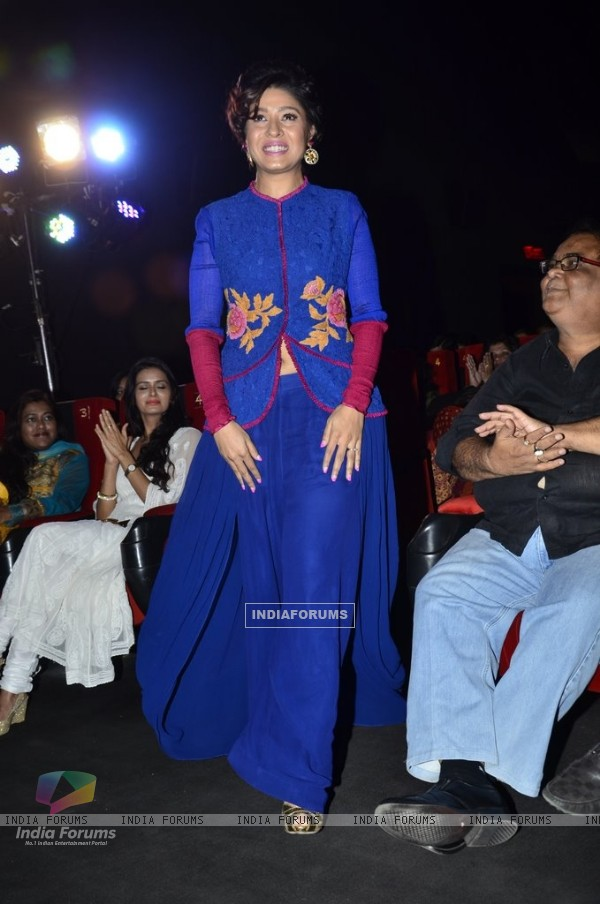 Sunidhi Chauhan at the Music Launch of Rang Rasiya