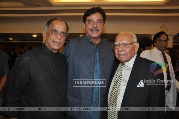 Pahlaj Nihalani poses with Shatrughan Sinha at the bash
