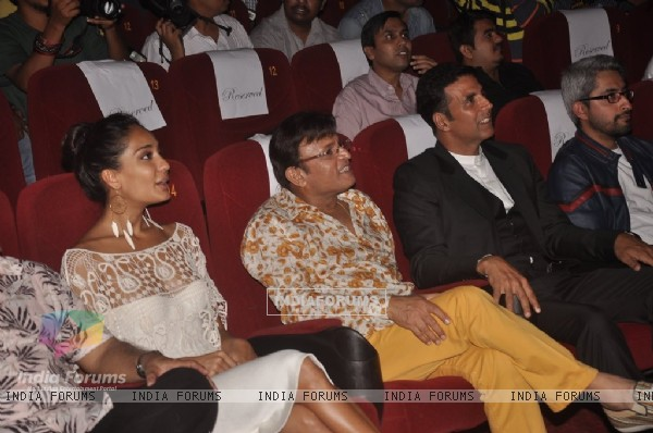 The cast enjoys the Trailer of The Shaukeens