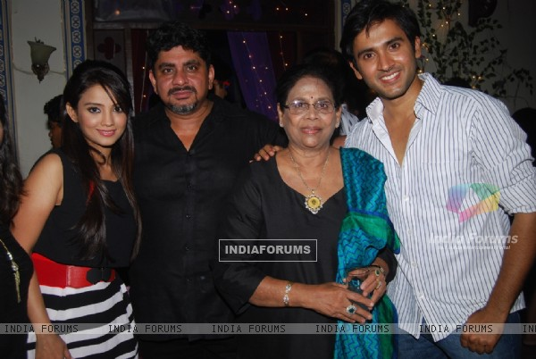 Rajan Shahi poses with Mishkat Varma and Adaa Khan on the set of Itti Si Kushi