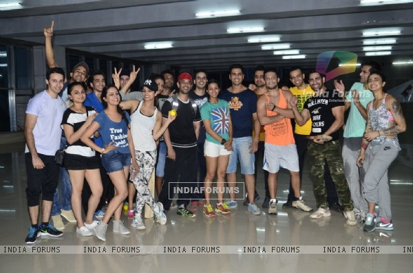 TV Celebs practice for a forthcoming Box Cricket League