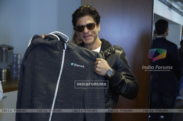 Shah Rukh Khan poses for the media at Twitter Headquarters