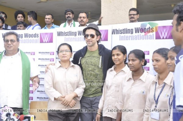 Hrithik Roshan with the cleaning staff of Whistling Woods