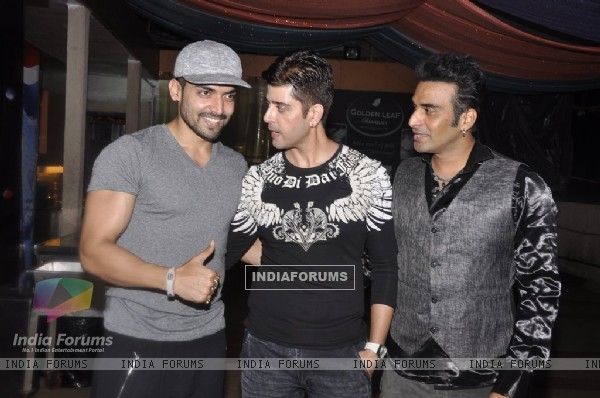 Gurmeet Choudhary snapped at Vijay Bhatia's Birthday Bash