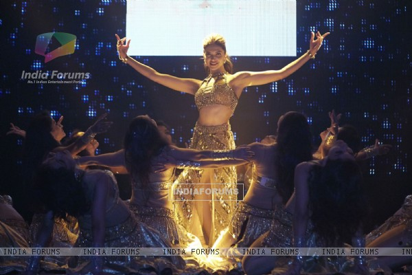 Deepika Padukone performs at Slam Tour in Vancouver and San Jose