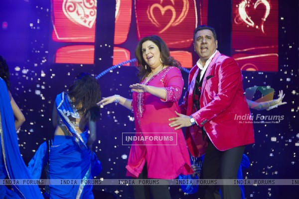 Boman Irani and Farah Khan perform at Slam Tour in London