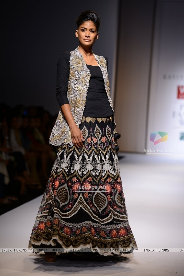 Carol Gracias walks the ramp for Kavita Bhartia at the Wills Lifestyle India Fashion Week Day 2