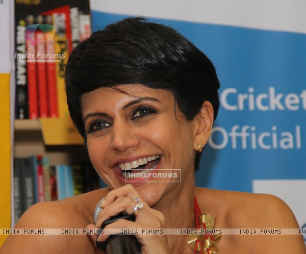 Mandira Bedi at Vikram Sathye's Book Launch