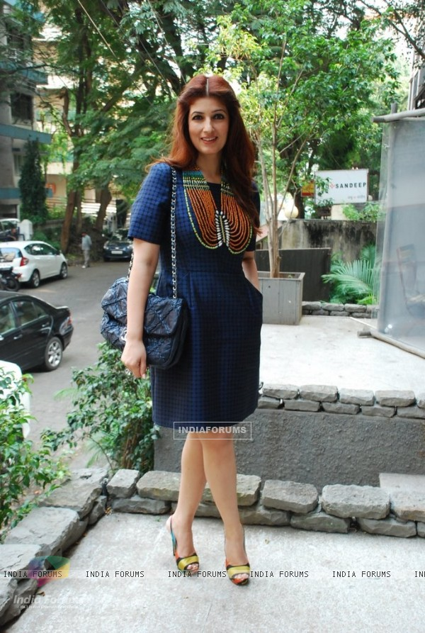 Twinkle Khanna poses for the media at the Laila Singh Showcase