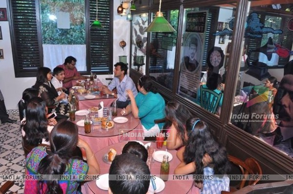 Vikas Khanna interacts with the public at the Launch of Twist Of Taste - The Sweet Life