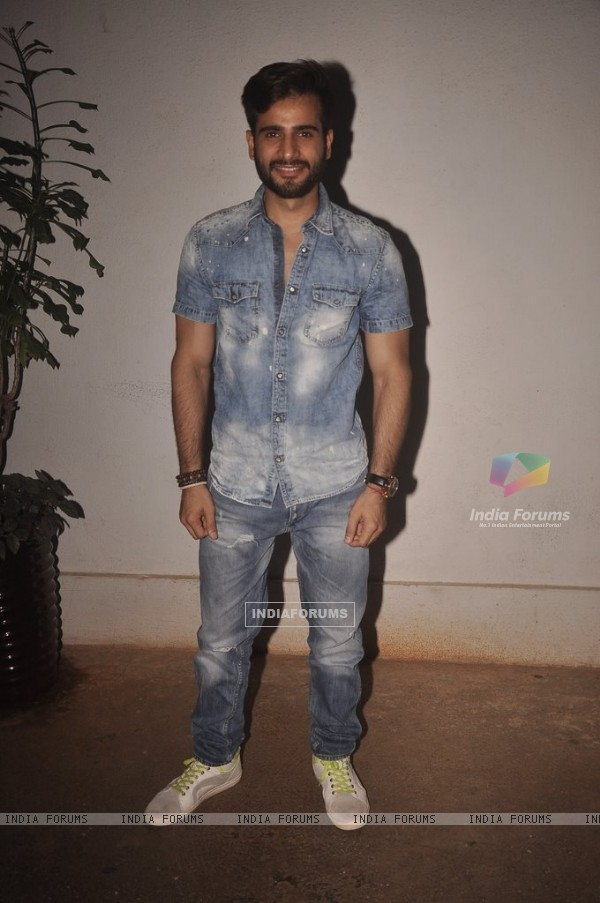Karan Tacker poses for the media at the Special Screening of Sonali Cable