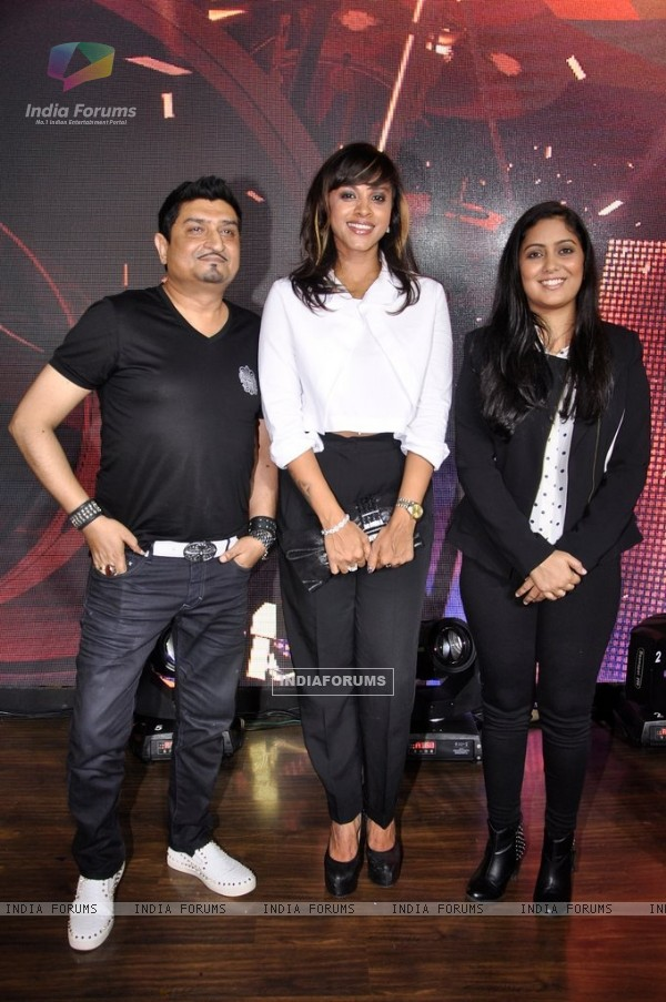 Judges Manasi Scott, Neeraj Shridhar and Harshdeep Kaur at McDowells's No.1 Platinum Karaoke Finale