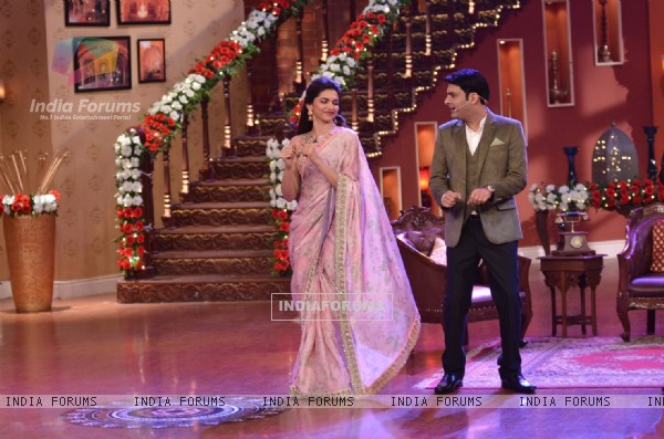 Deepika Padukone shakes a leg with Kapil Sharma on Comedy Nights with Kapil