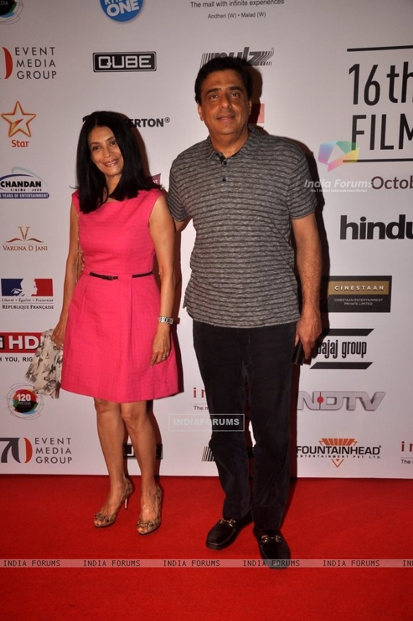 Ronnie Screwvala poses with wife at the 16th MAMI Film Festival