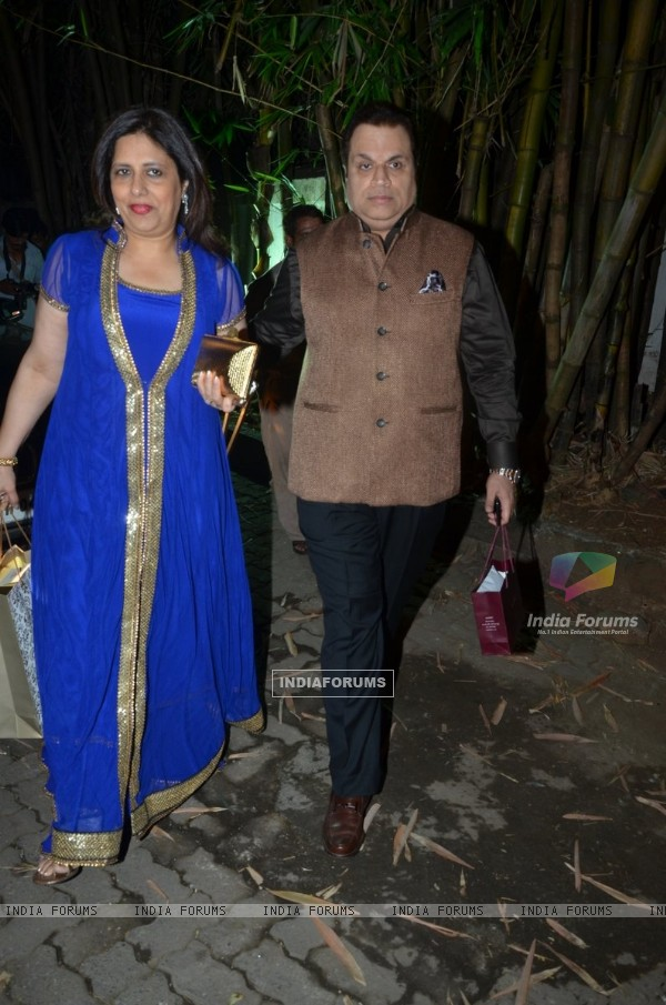 Ramesh Taurani snapped with wife at Shilpa Shetty Diwali Bash