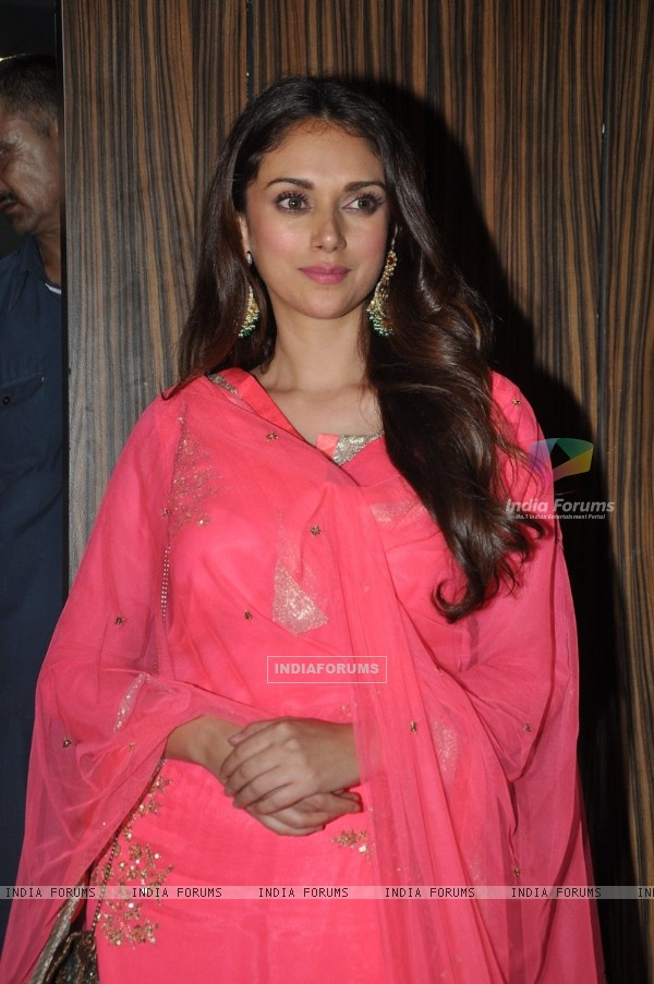 Aditi Rao Hydari poses for the media at Aamir Khan's Diwali Bash