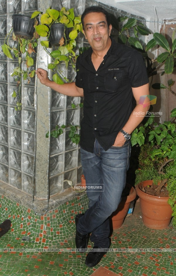 Vindoo Dara Singh poses for the media at Diwali Celebration of BCL Team 'Rowdy Bangalore'