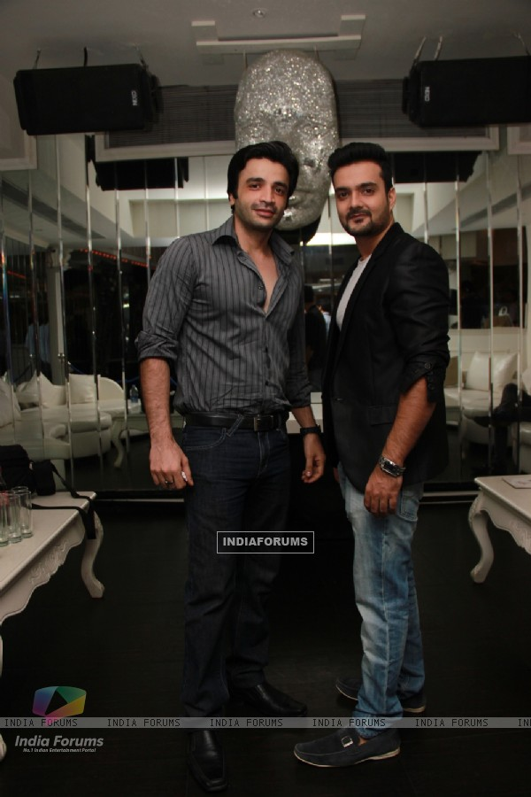 Puneet Sachdev and Micckie Dudaaney snapped at Team Mumbai Warrior's Surprise Bash