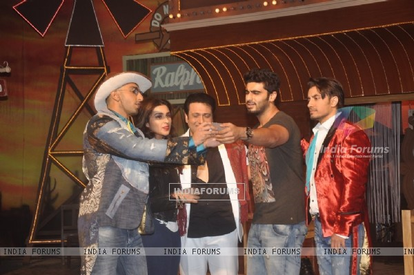 Arjun Kapoor clicks a selfie with friends at the Song Launch of Kill Dil