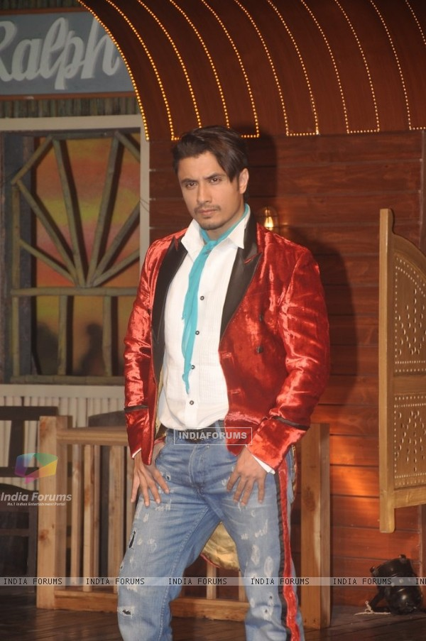 Ali Zafar poses for the media at the Song Launch of Kill Dil