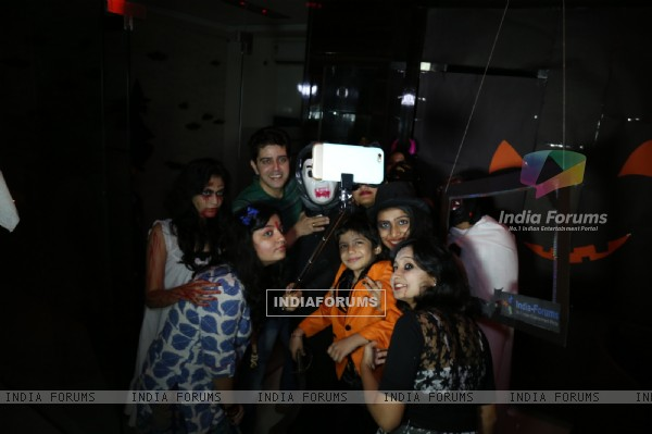 Vije Bhatia and Bhavesh Jaiswal click a selfie with India Forums Team at the Halloween Bash