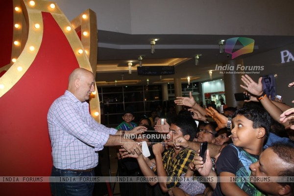 Anupam Kher greets his fans at the Promotions of The Shaukeens at Thane