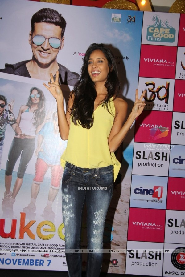 Lisa Haydon poses for the media at the Promotions of The Shaukeens at Thane