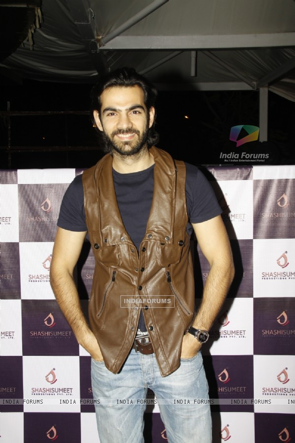 Karan V Grover poses for the media at Shashi Sumeet Production Bash