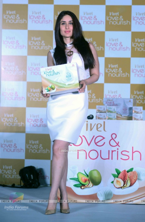 Kareena Kapoor poses with products at ITC Vivel Love and Nourish Launch