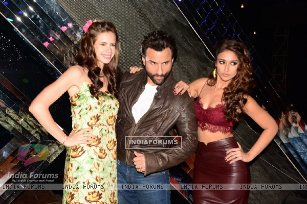 Kalki Koechlin, Saif Ali Khan and Ileana D'Cruz at the Promotions of Happy Ending
