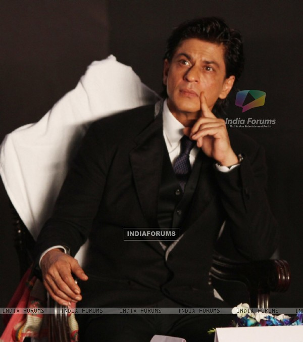 Shah Rukh Khan snapped at Kolkatta Film Festival