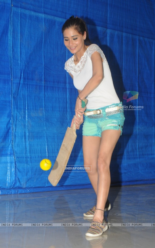 Sara Khan at BCL Team Rowdy Banglore's Practice Sessions