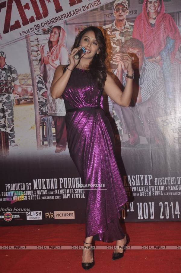 Hrishita Bhatt addressing the audience at the Launch of the Film Zed Plus