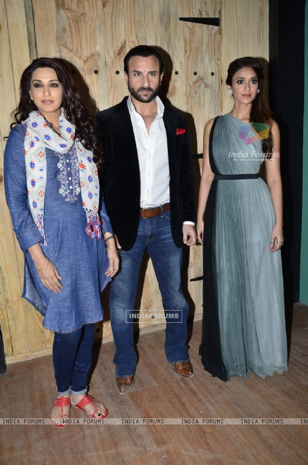 Sonali Bendre, Saif Ali Khan and Ileana D'Cruz  pose for the media at the Promotions of Happy Ending
