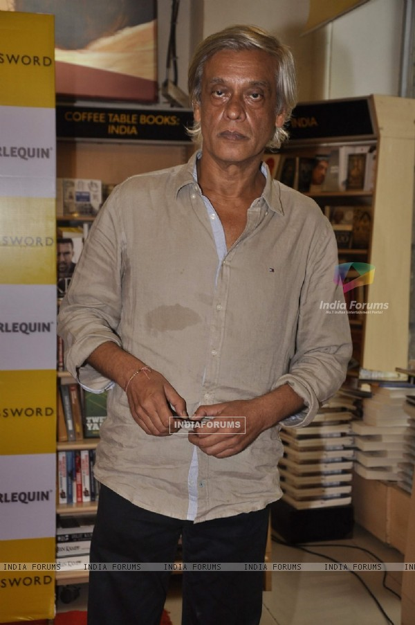 Sudhir Mishra poses for the media at Nidhie Sharma's Book Launch