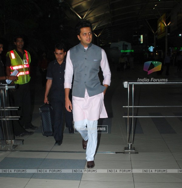 Riteish Deshmukh was snapped at Airport