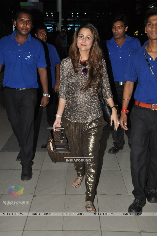 Amrita Arora was snapped at airport while returning from Arpita Khan's Wedding