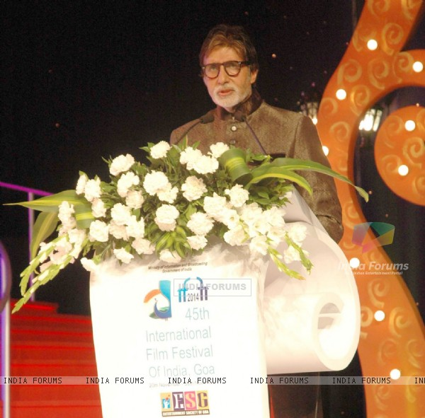 Amitabh Bachchan addressing the audience at Goa Film Festival
