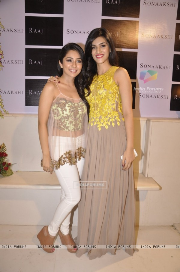 Kriti Sanon poses with Sonaakshi Raaj at her Store Launch