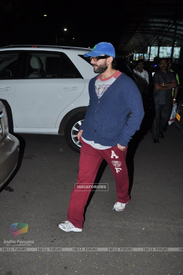 Saif Ali Khan was snapped coming out from Airport