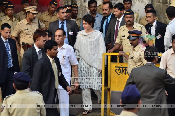 Priyanka Gandhi was snapped at Murali Deora's Funeral