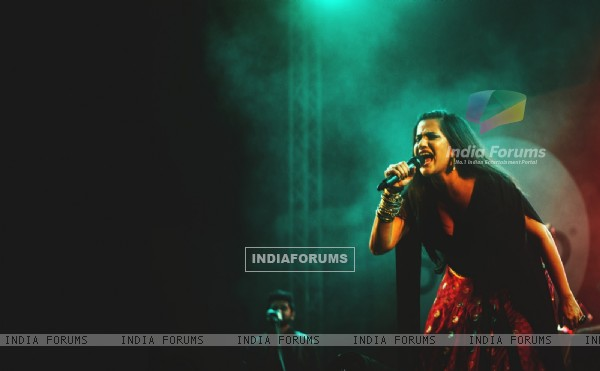 Sona Mohapatra Performs at IIM Bangalore