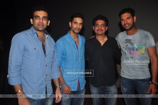 Celebs pose for the media at the Special Screening of Ungli