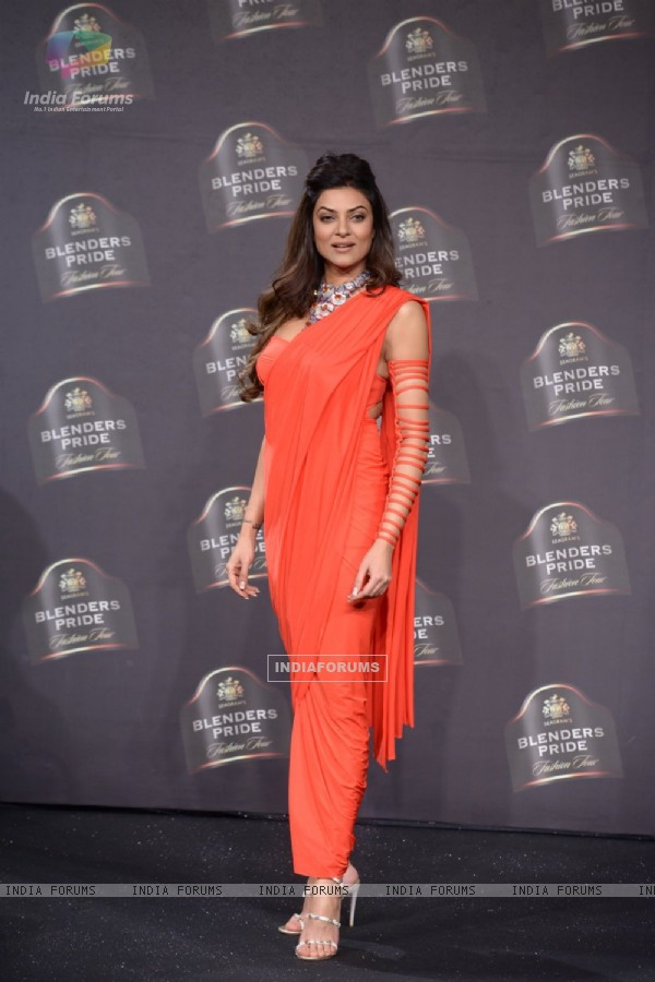 Sushmita Sen poses for the media at Blender's Pride Fashion Tour 2014