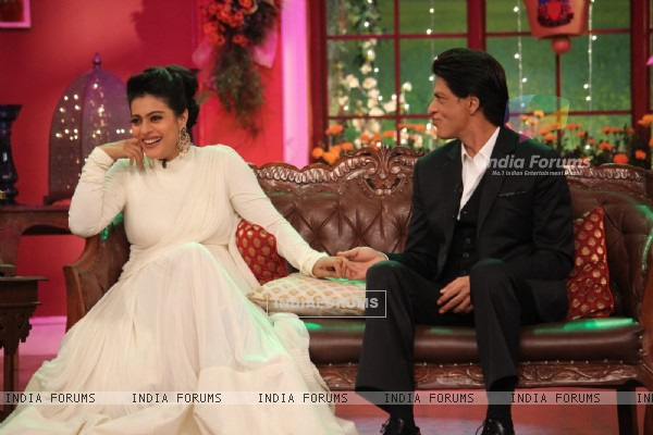 The Evergreen Couple Kajol and Shah Rukh Khan Reliving the Good Old Days on Comedy Nights with Kapil