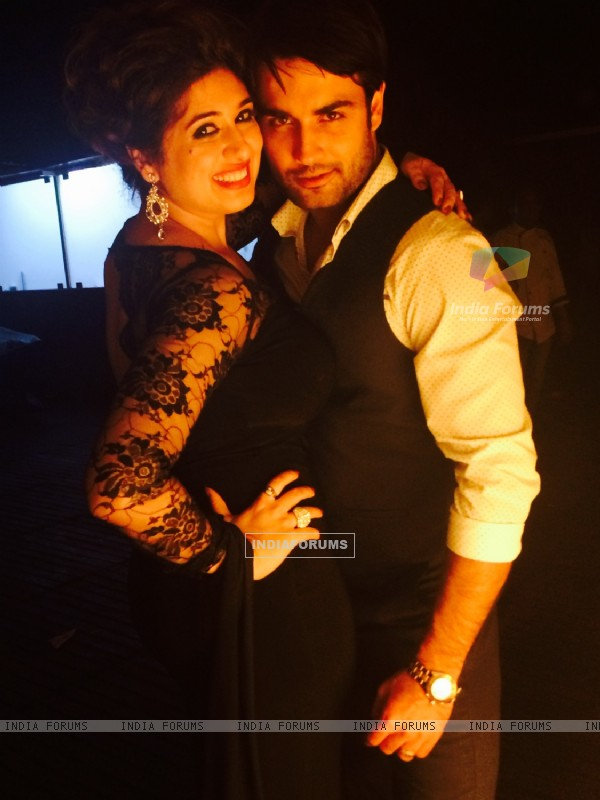 Vivian Dsena poses with wife Vahbbiz Dorabjee Dsena at her Birthday Bash
